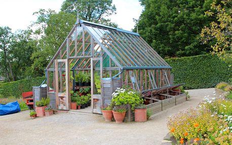 8% slevový kupón na zahradní skleníky