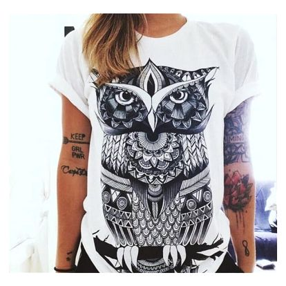 Bílé dámské triko s abstraktními motivy