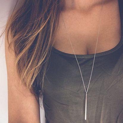 Dámský jednoduchý náhrdelník s podlouhlým přívěskem