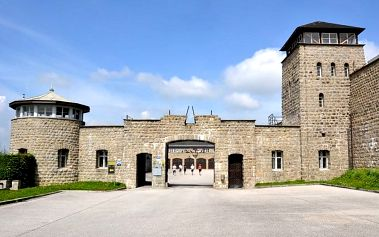 Zájezd do koncentračního tábora Mauthausen a do města Linec pro 1 osobu