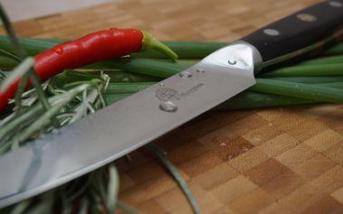 Sada kuchyňského nože a bambusového prkénka japonské kvality