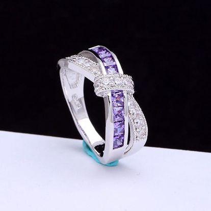 Dámský prsten propletený - fialové kamínky