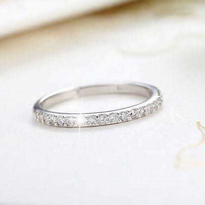 Krásný prstýnek s kamínky ve svatebním stylu - různé velikosti