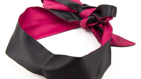 Smyslná sametová páska přes oči v černé barvě