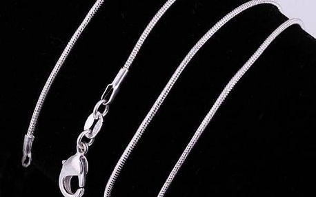 Hladký řetízek ve stříbrné barvě