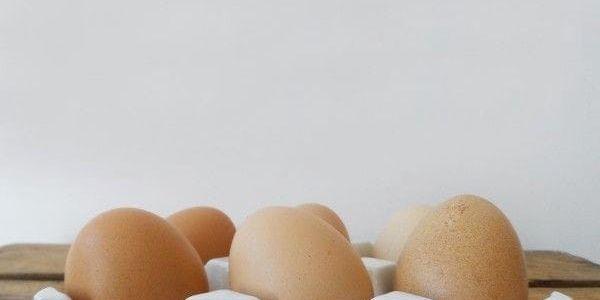 Porcelánový podnos na vajíčka2