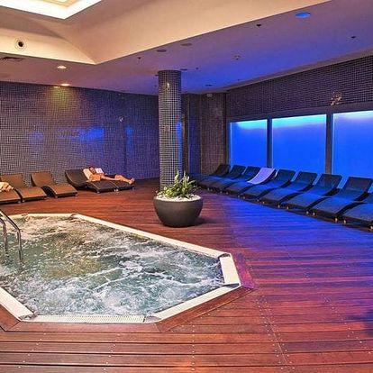 Boží relaxace v Zen SPA v OC Nový Smíchov pro pár/pro jednoho: masáž a neomezené wellness