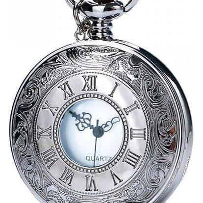 Kapesní hodinky ve stříbrné barvě s římskými čísly