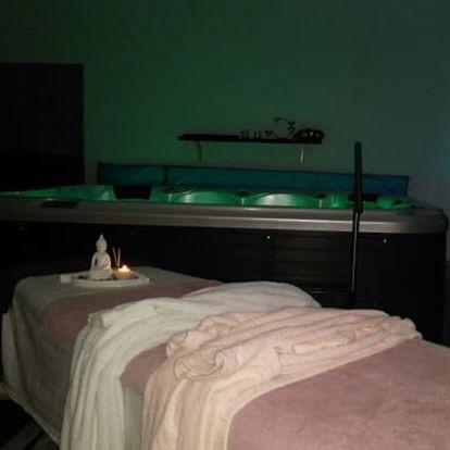 Relaxační balíček pro dva: vířivka, bahenní zábal, párová masáž, masáž hlavy, nealko nápoj