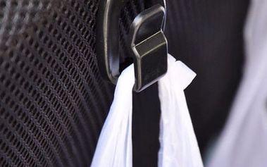 Háčky za přední sedačky