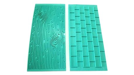 2 kusy formiček k tvarování měkké hmoty - Dřevo a cihlová zeď
