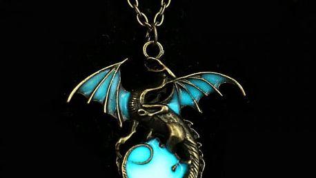 Magický přívěsek s drakem a zářícím kamenem