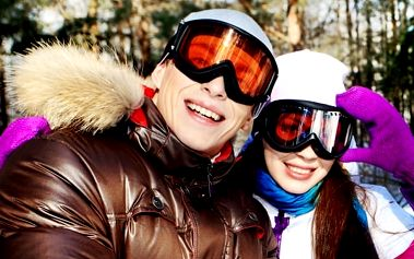 Last minute lyžování v Jizerkách? Rodinný pobyt v Hotelu Maxov již od 280 Kč noc s polopenzí a saunou.