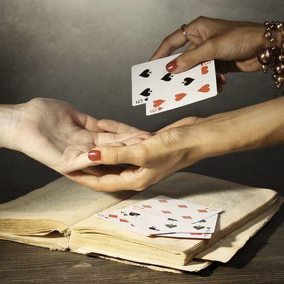 30 nebo 60 minutový telefonický výklad tarotových a cikánských karet, případně i kyvadla.