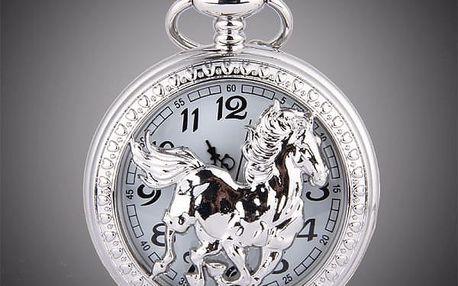 Retro kapesní hodinky s motivem koně - stříbrná barva - dodání do 2 dnů