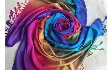 Zimní šátek v duhových barvách