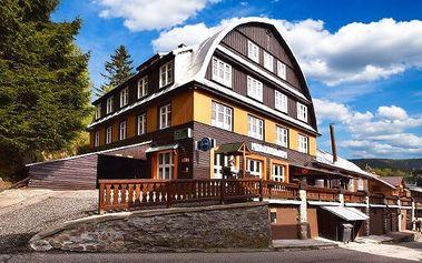 4–8denní pobyt s polopenzí v hotelu Svatý Hubert ve Špindlerově Mlýně pro 2 nebo rodinu