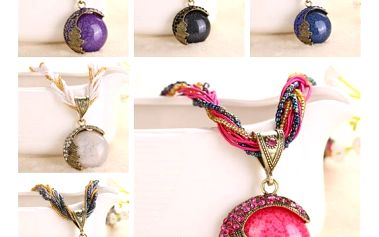 Náhrdelník se zajímavým přívěskem - různé barvy