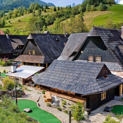 Pravá slovenská dovolená v dobových dřevěnicích Jánošíkův dvůr