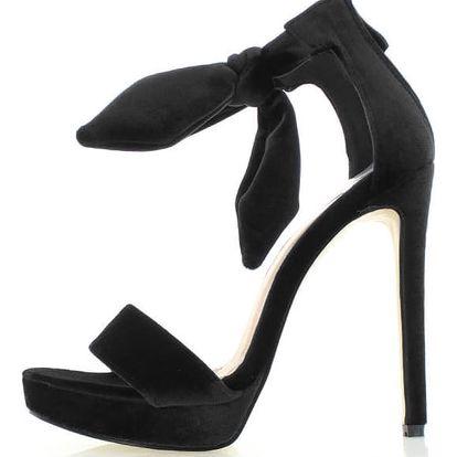 Černé sandály Sontina