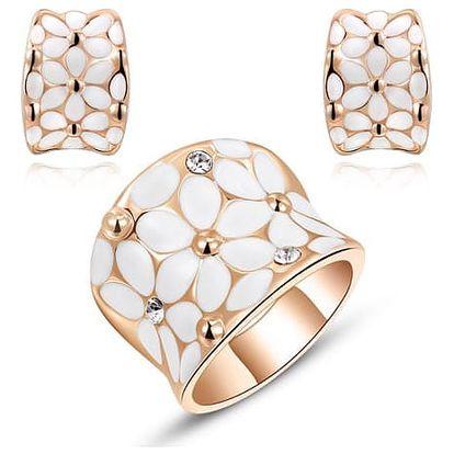 Šperková sada s květinami - náušnice, prsten