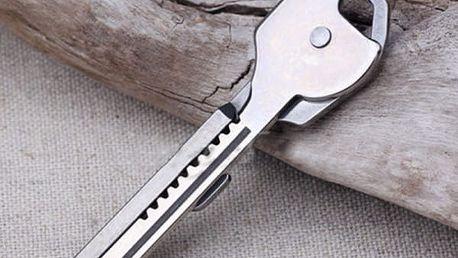 Multifunkční přívěsek na klíče se šroubovákem a nožíkem
