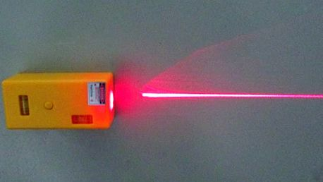 Laserová vodováha s magnetem