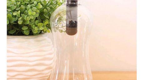Láhev s uhlíkovým filtrem