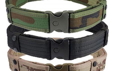 Opasek s plastovou přezkou ve vojenském stylu