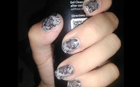 Samolepky na nehty v krajkovém stylu