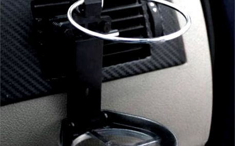 Skládací držák na pití do auta