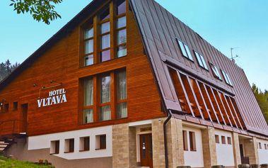 Horský hotel Vltava v Krkonoších s polopenzí pro 2 a 2 děti do 15 let zdarma