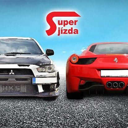 Zážitková jízda v závodním Ferrari 458 či Mitsubishi Lancer na okruhu v Hradci Králové