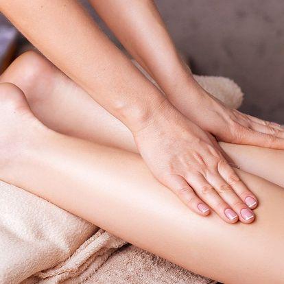 Skoncujte s pomerančovými ďolíčky: Hodinová ruční masáž