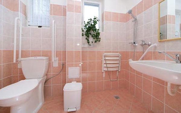 Hotel Alfonska*** u rozhledny Žalý s polopenzí, bazénem i vířivkou5