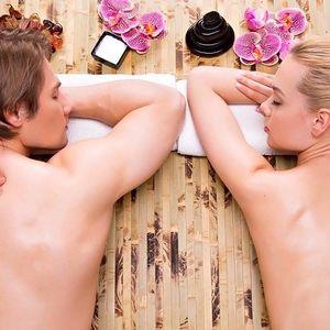 Dokonalá romantika při párové odpočinkové masáži