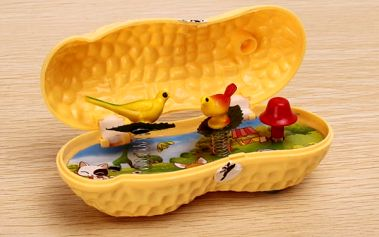 Hrací skříňka ve tvaru arašídy