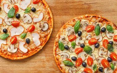 2 výtečné pizzy v romantické sušické pizzeri