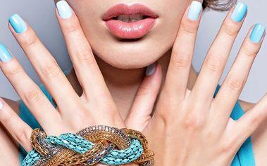 Manikúra s gel-lakem s masáží rukou