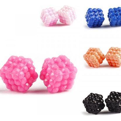 Mini barevné náušnice ve tvaru kostky - dodání do 2 dnů