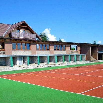 Letní pobyt na Šumavě pro DVA s polopenzí, saunou a bazénem + děti zdarma