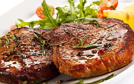 Mix steaků pro dva (kuřecí, vepřový) + farmářské brambory, domácí tatarka, salát a štrůdl