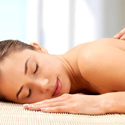 Hodinová uvolňující masáž zad a šíje