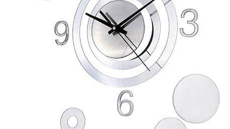 Designové hodiny ve stříbrné barvě - dodání do 2 dnů
