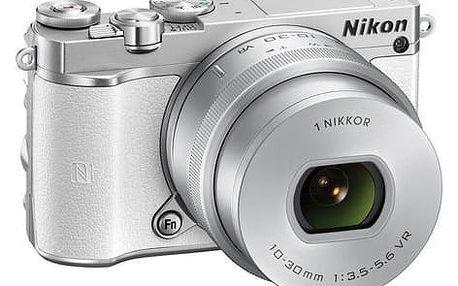 Kompaktní fotoaparát s vyměnitelným objektivem Nikon 1 J5 + 10-30mm silver