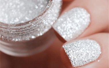 Třpytky na nehty ve stříbrné barvě - 6 variant