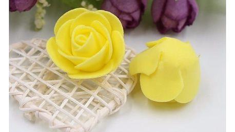 Malé pěnové dekorativní růžičky v různých barvách