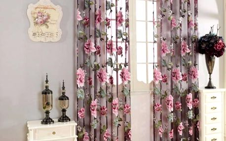 Květinová záclona