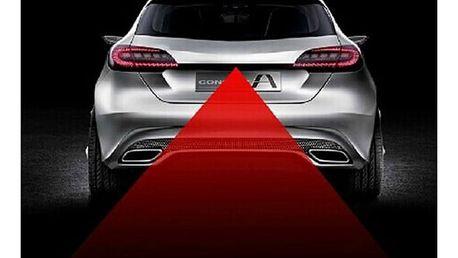 Antikolizní laserové zadní světlo