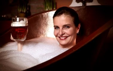 Císařská péče v Rožnovských pivních lázních PRO DVA s ubytováním. Dokonalá pivní relaxace, 6 zážitkových procedur pro každého včetně masáže a ubytování jen za 3590 Kč